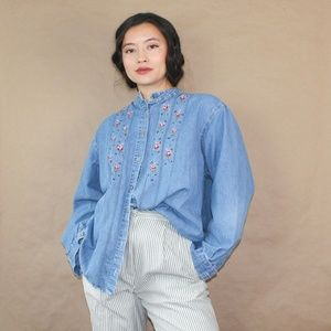 (253) vtg 90s english countryside embroider blouse